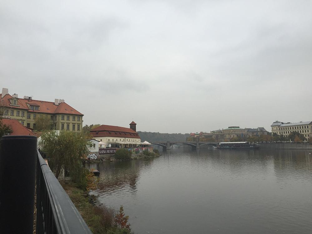 Sağ tarafta Kafka Müzesini görebilirsiniz.
