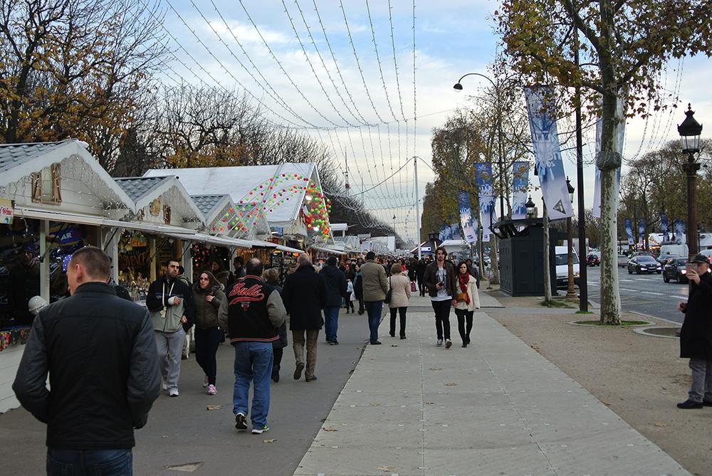 Champs Elysees Noel Pazarı