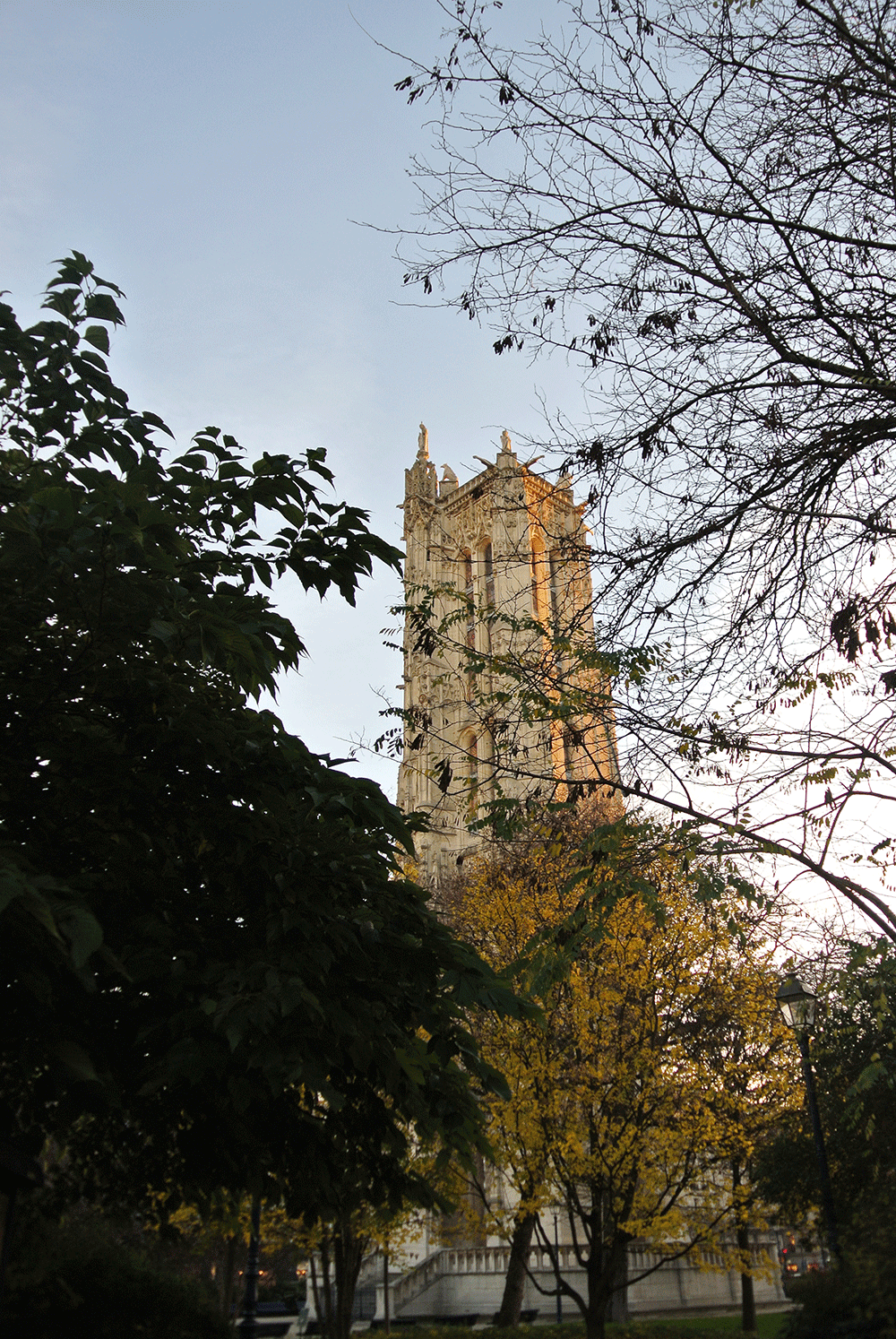 Saint Jacques Kulesi