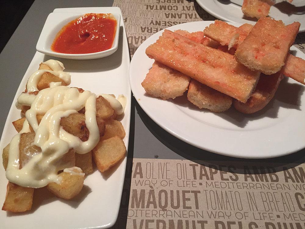 Patatas Bravas ve Pan Con Tomate